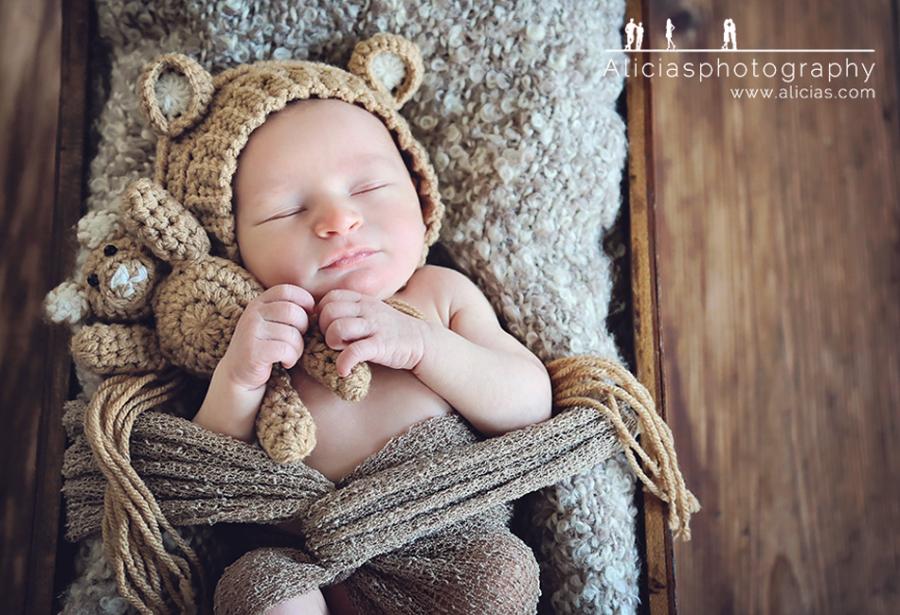 Chicago Naperville Newborn Photographer...Swigon Newborn Session